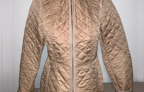 Burberry Brit Women's beige diamond quilted jacket size medium, large